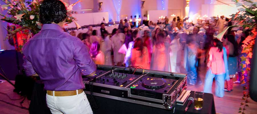 DJ According to Your Mood – DJ In Delhi