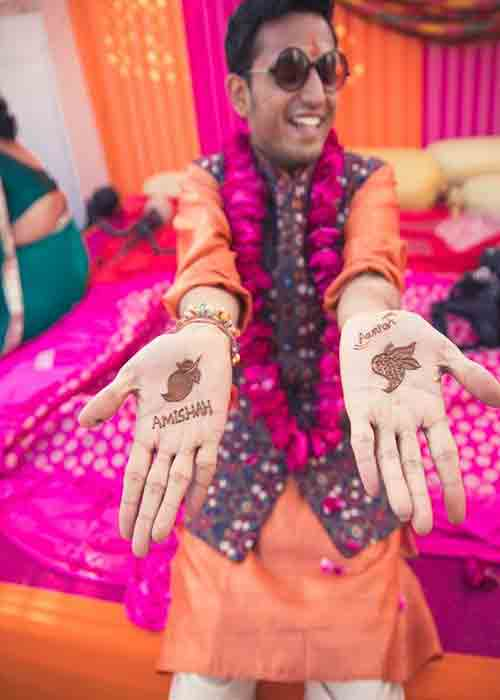Funny Shaped Mehndi For Groom