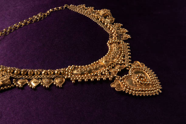 traditional gold hearted necklace for bride