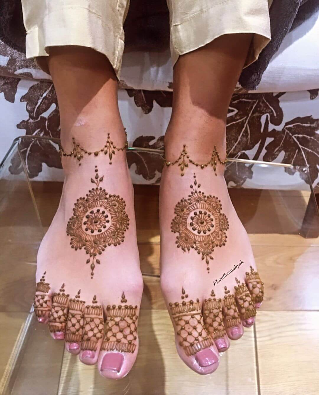 feet mehndi design simple