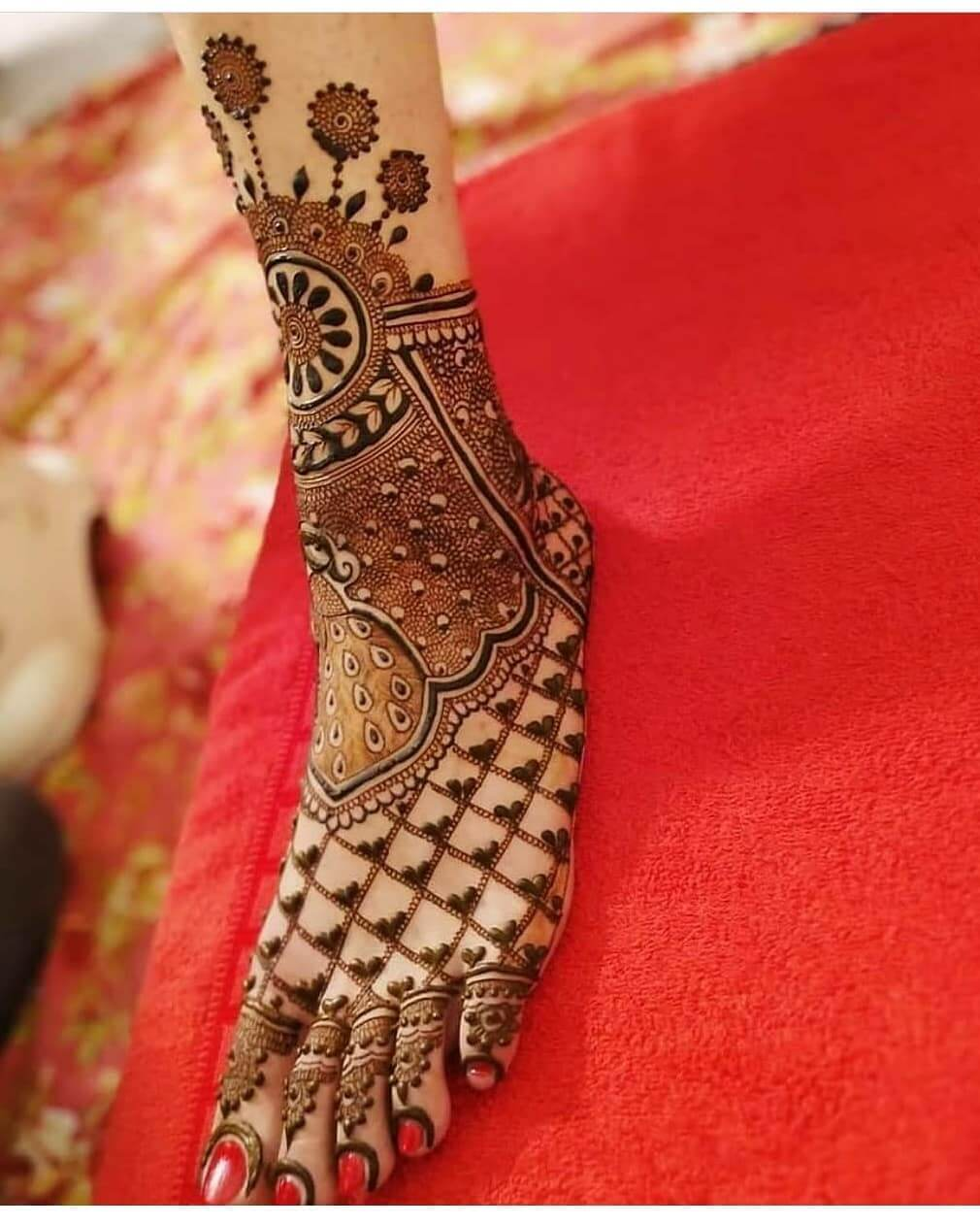 Full foot Bridal Mehndi Designs