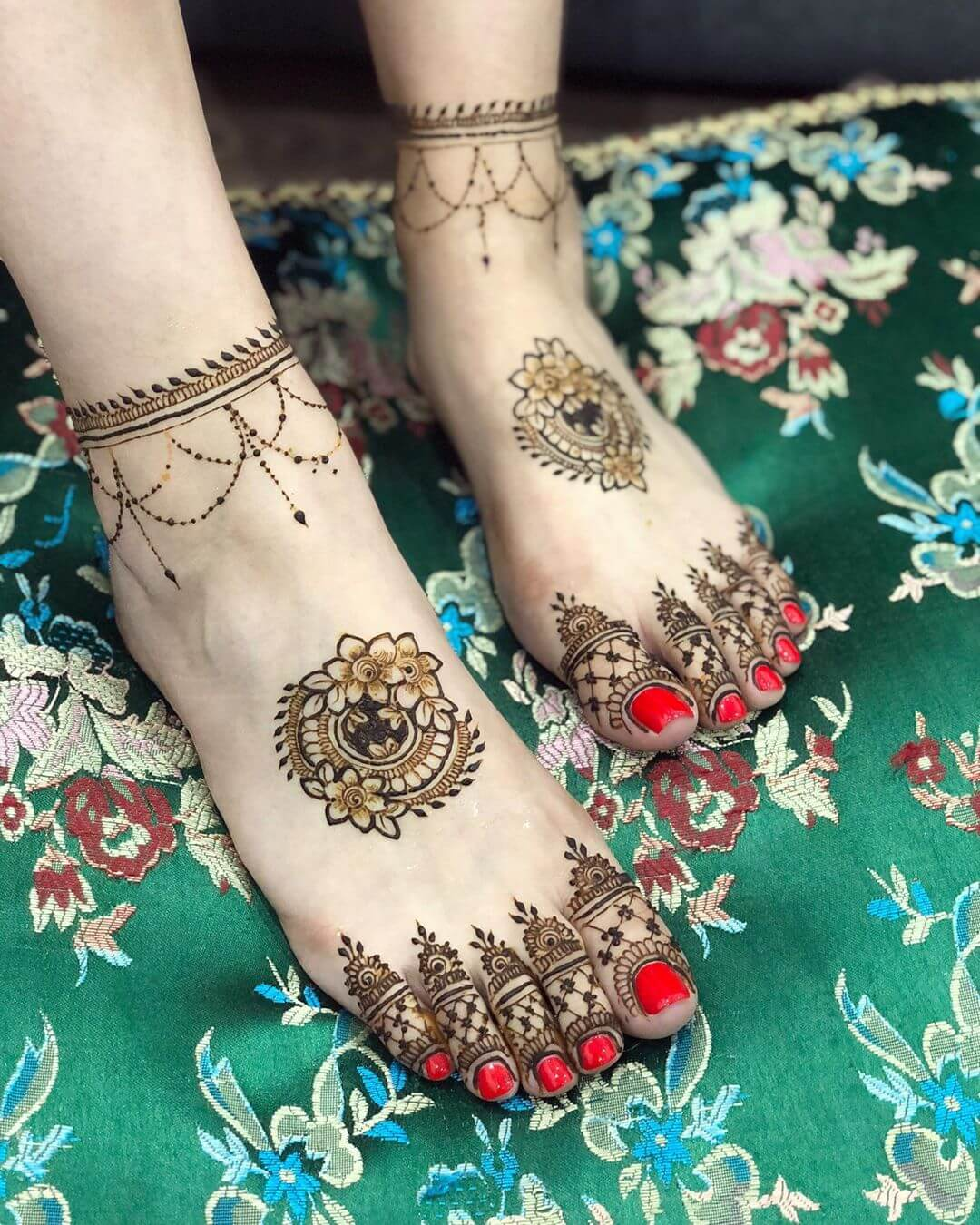 half feet mehndi design for bride