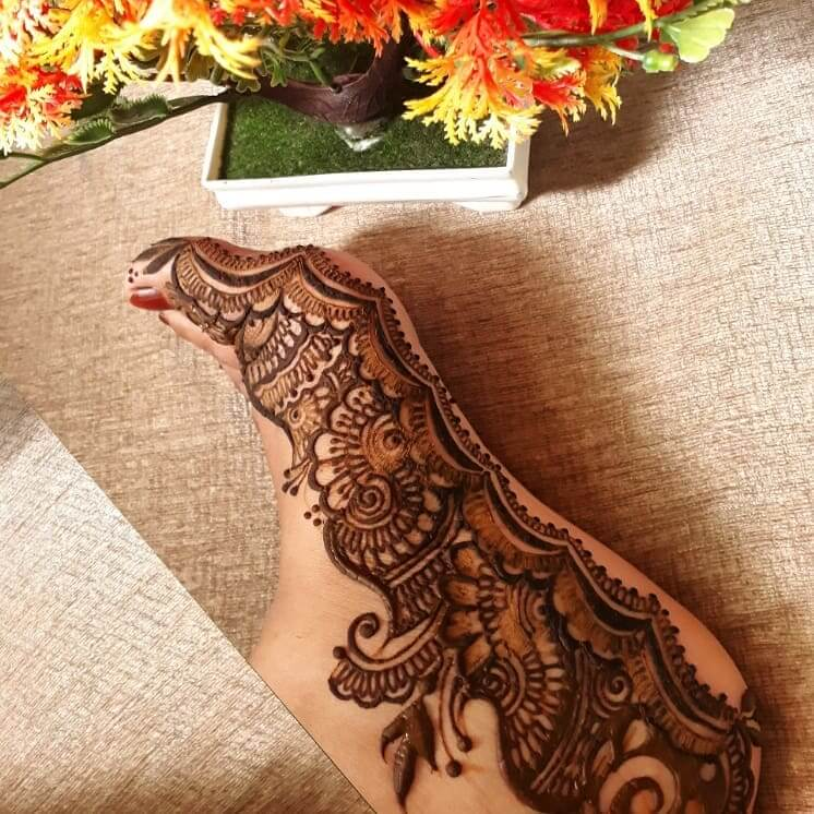 Ankle Bride Mehndi Designs Images