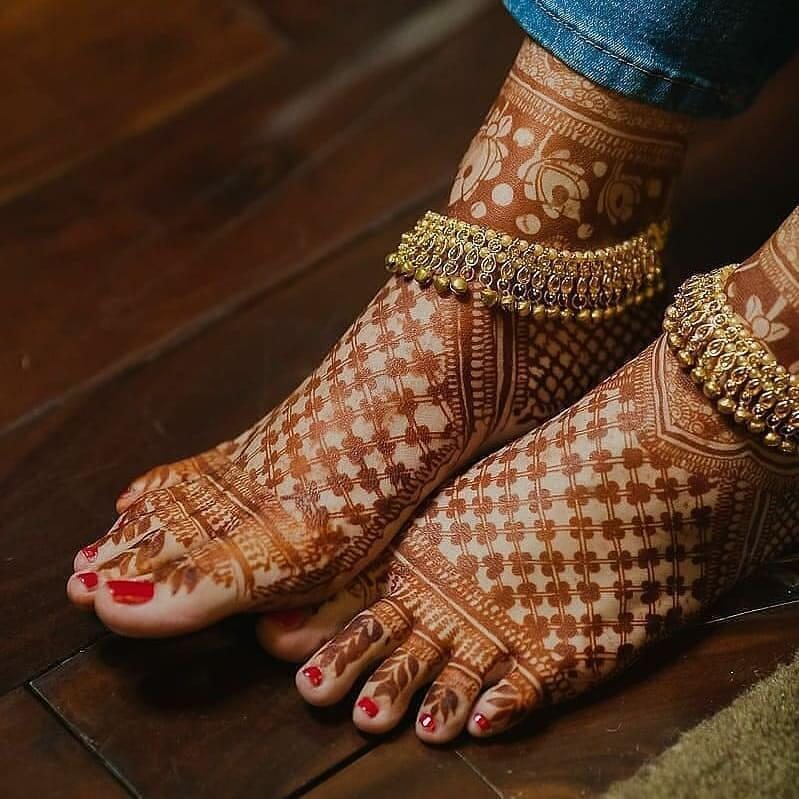 easy foot mehndi designs images