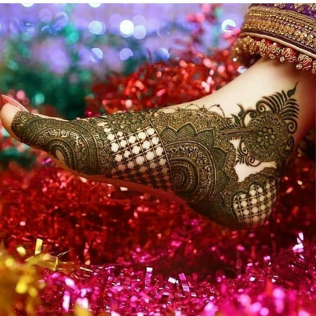 Heavy Mehndi Design for bridal foot