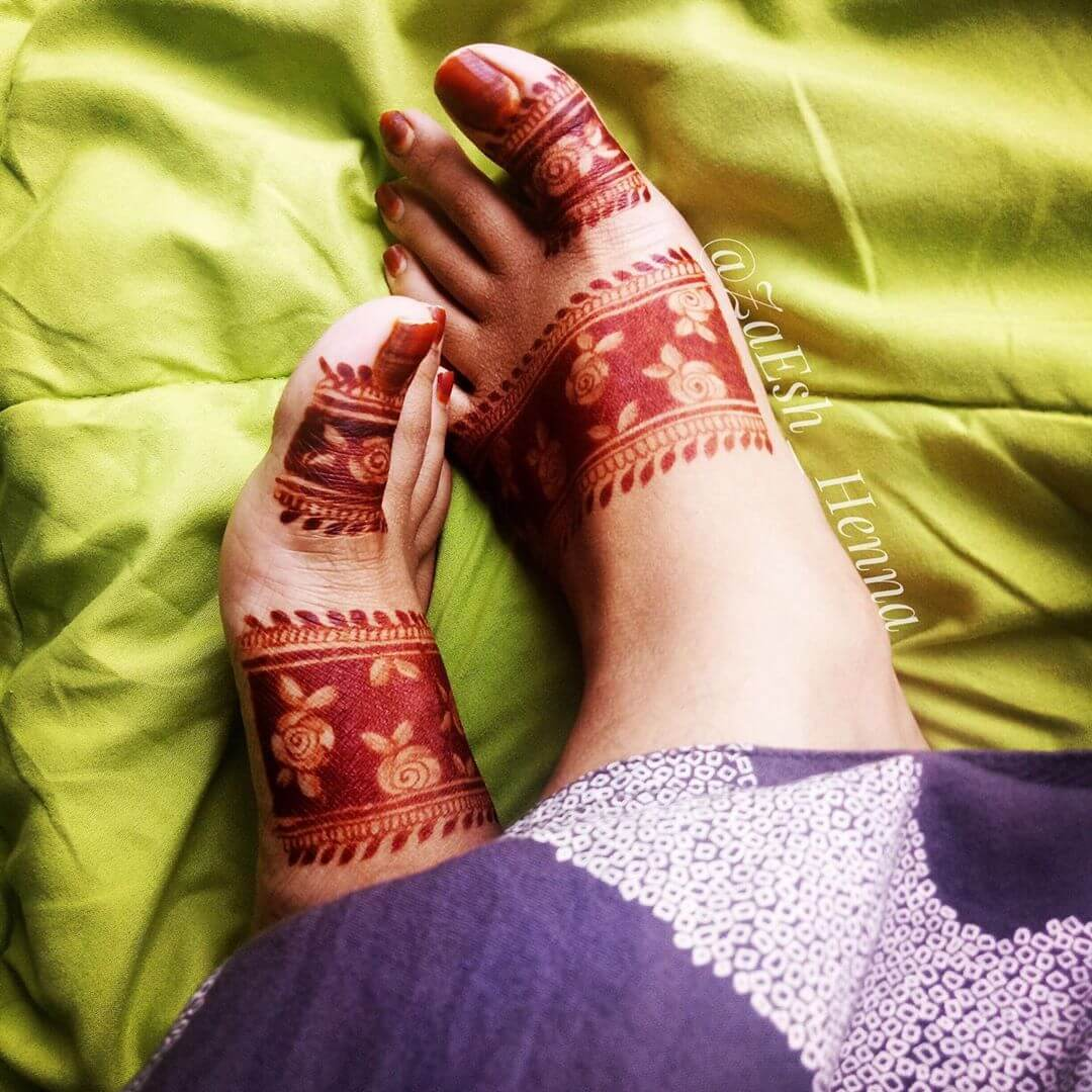 modern feet Mehndi design