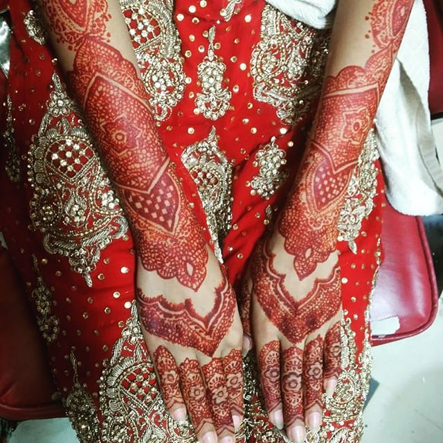 hand mehndi designs for bride